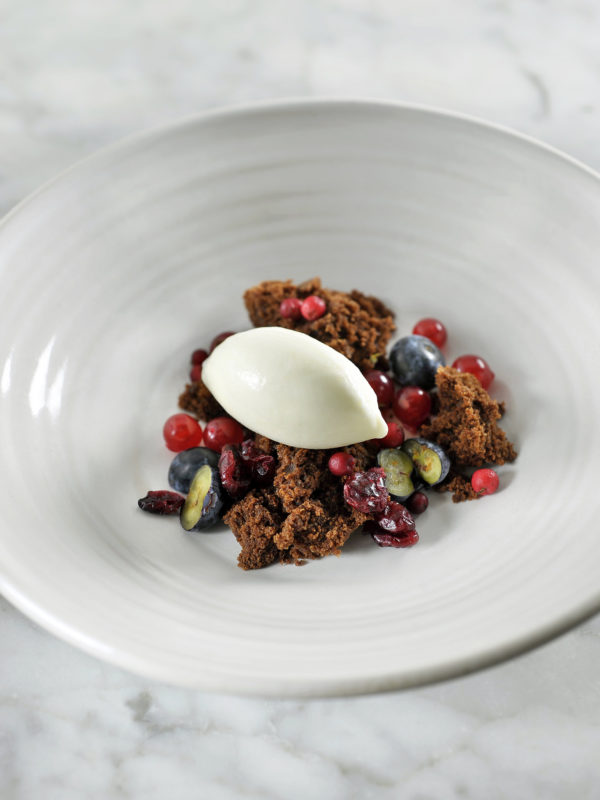 Brownie, White Chocolate Ice Cream, Berries, Elixir d'Anvers
