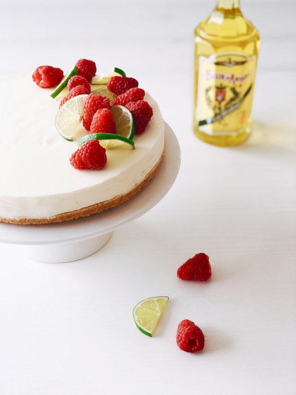 Limoen-yoghurt taart met Elixir d'Anvers